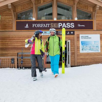 Winter lift pass sales points